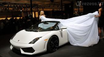 Beleerősít a Lamborghini Spyder