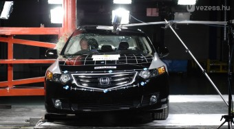 Karambolhoz: Honda Accord