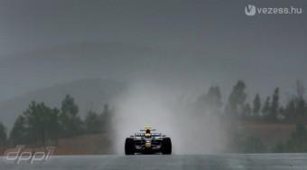 F1: Új autók az esőben