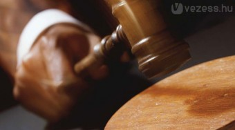Giga büntetés a kartellező biztosítóknak