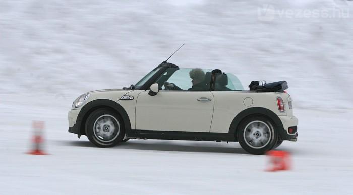 Mintha látott volna már havat a sofőr