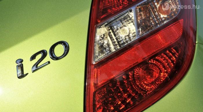 A Hyundai átáll az új nevekre