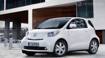 Beleerősít a Toyota minije