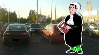 Baleset a parkolóban! Mit mond a KRESZ?