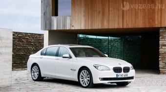 Új csúcsmodell a BMW-től