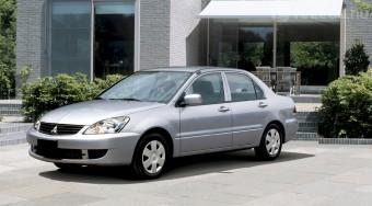 A legolcsóbb japán családi autó