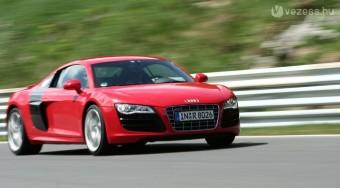 Audi R8 V10: Elő a szinonimaszótárral!