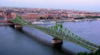 Holnap átadják a Szabadság hidat
