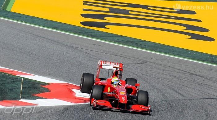 Massa a második sorban, Räikkönent elgáncsolták