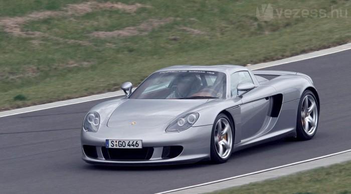 Még mindig a leggyorsabb Porsche, 330-at tud