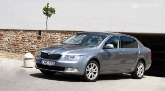 Ez lehetne a Škoda Szupercé