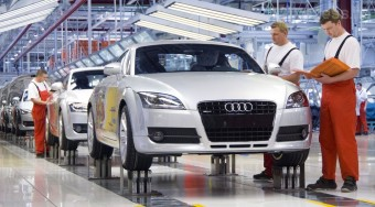 Bajban a győri Audi-gyár?