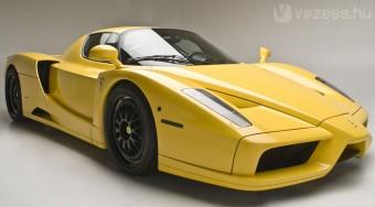Ferrari a Bugatti ellen