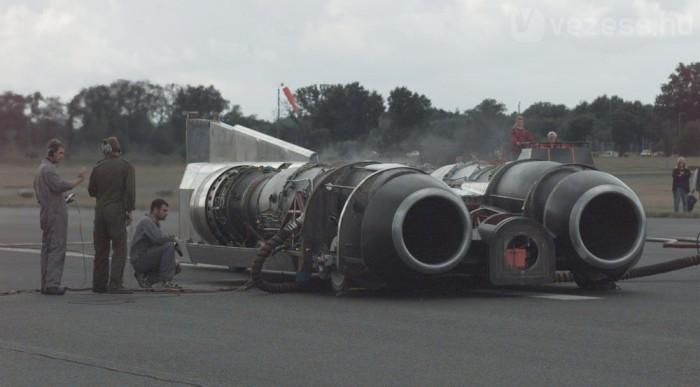 A Thrust SSC gyakorlatilag két sugárhajtómű volt