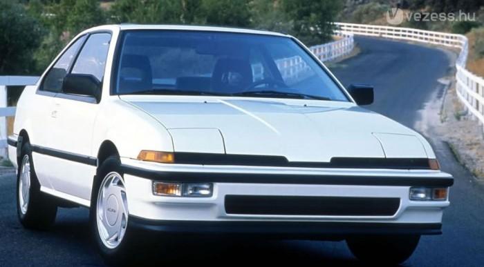 Az Acura és a Honda volt az első. Ez egy Acura Integra, húsz évvel ezelőttről