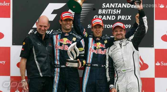 Vettel otthon verte el Buttont