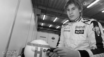 Autóversenyen elhunyt a legenda fia