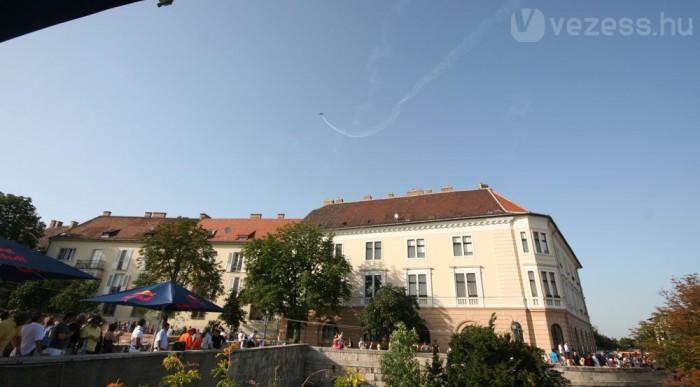Bessenyei Péter légi bemutatója nyitotta meg a Hungaroring Festet