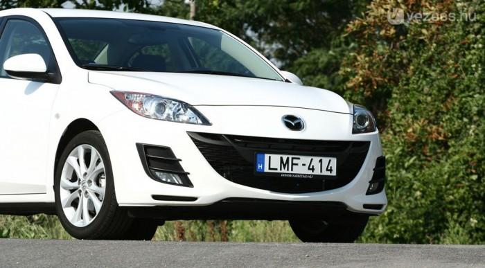 Klasszikus Mazda jegyekkel látták el