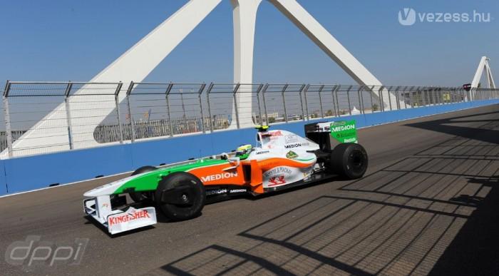 Mindkét Force India az első tízben