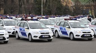Rendőrök lepik el a fővárost
