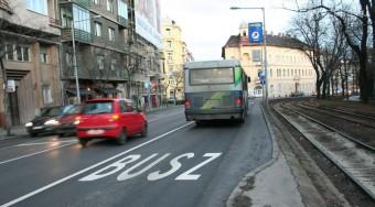 Pénzhiány miatt kevesebb buszsáv