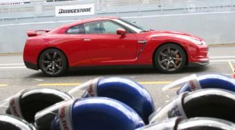Magyarországon a Porsche-verő Nissan GT-R