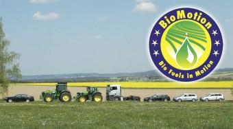 Biokonvoj hajt át Magyarországon