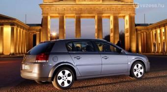 Miért lett bukás a legdrágább Opel?