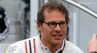 Villeneuve is képben a Renault-nál