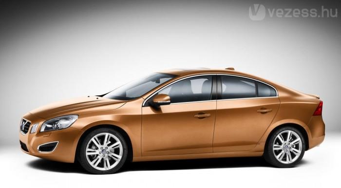 Nyárra ér ide a Volvo S60
