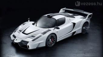 700 lóerős a szuper Ferrari