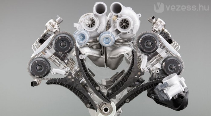V8 turbó az M5-be is