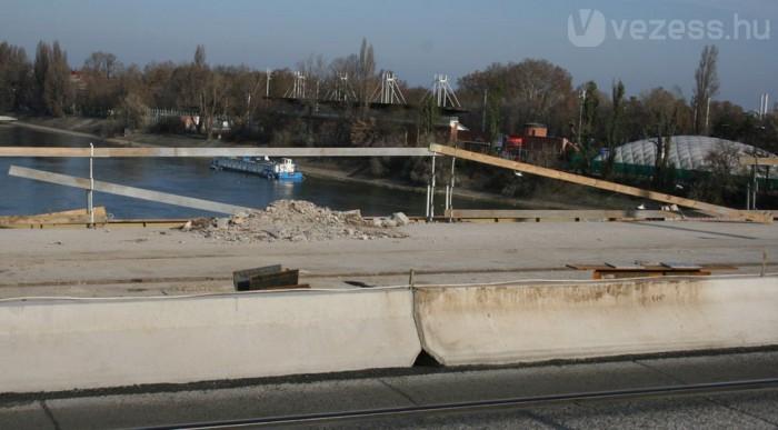A rombolás után elkezdődött az építés