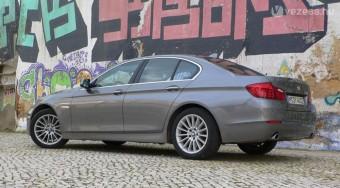 Magától parkol majd az új ötös BMW