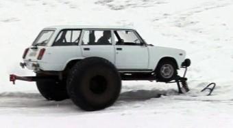 Videó: Lada bigfoot a hóban