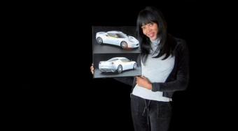 Topmodell és sportkocsi Haitiért