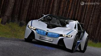 Alfát és BMW-t díjaz idén a divatguru