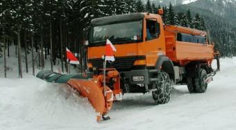 50 gép tisztítja a hótól a fővárosi utakat