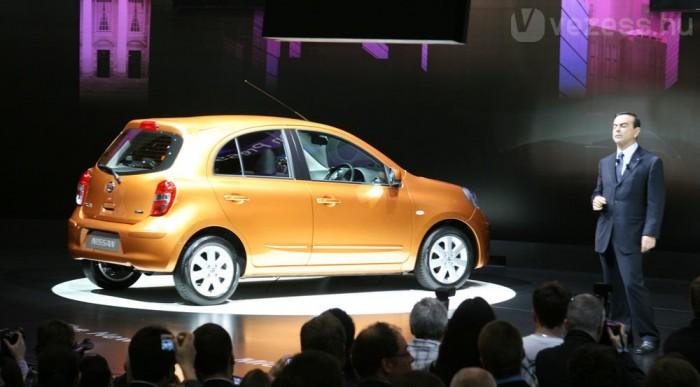 Carlos Ghosn a Nissan-Renault elnöke leplezte le