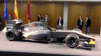 F1: Bemutatták az utolsó autót - videó