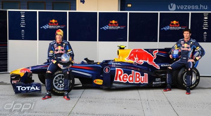 Vettel és Webber a helyén maradt