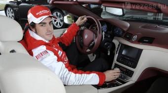 Alonso új autót kapott