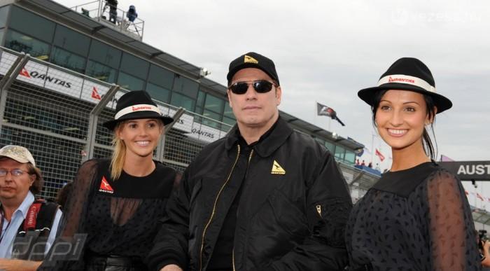 A főszponzor képviseletében John Travolta intette le végül a futamot