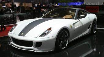 Három készül a 850 lovas Ferrariból