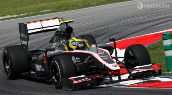 F1: Igazi tragacs Sennáék autója