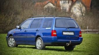 VW Golf 1.6 NY (mint nyugdíjas)