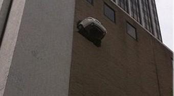 Drágám már megint a betonfalba parkoltál?