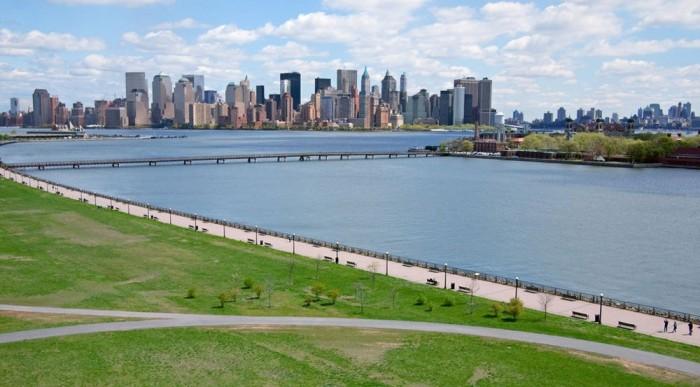 Jersey City, Liberty State Park, a háttérben Manhattan