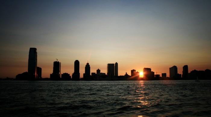 Jersey Citynek bealkonyult